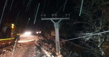 Șoferi, atenție! Drumuri îngreunate din cauza zăpezii