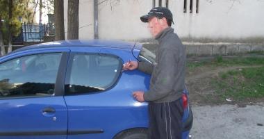 Prins în flagrant de un jandarm aflat în timpul liber, în timp ce încerca să spargă o maşină