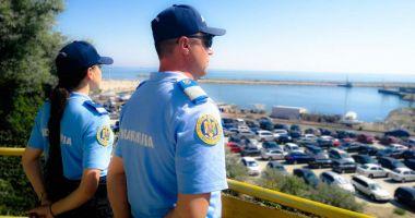 Jandarmii, la datorie, pe străzi şi în parcuri, în weekend