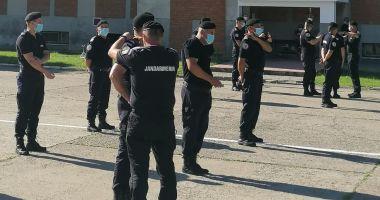 Jandarmi constănțeni avansați în grad, în aplauzele colegilor