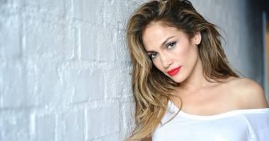 Fiţe de vedetă. Cum se menţine în formă Jennifer Lopez