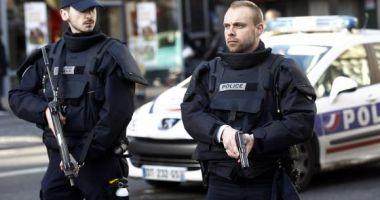 Atac cu cuțitul în Paris: Şapte răniţi, dintre care patru grav. Agresorul a fost arestat