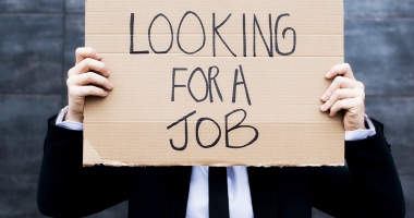 A crescut şomajul. Mai mulţi bărbaţi decât femei au rămas fără job