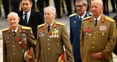 Guvernul suspendă actualizarea pensiilor militare