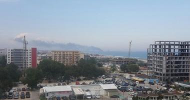 Explozie la Rafin�ria Petromidia. Patru persoane au fost r�nite