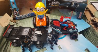 Jucării chinezeşti contrafăcute, reținute de inspectorii vamali