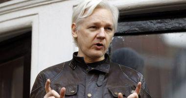 Julian Assange, condamnat la aproape un an de închisoare