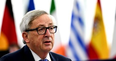 Jean Claude Juncker: Atrag atenţia Guvernului şi Parlamentului României să nu se îndepărteze de principiile statului de drept