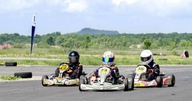 Gata de start, în etapa a lll-a a Campionatului Naţional de karting