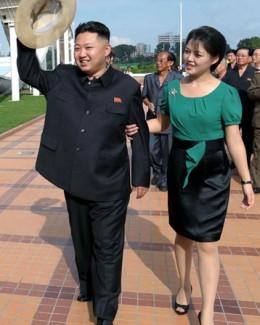 Diplomaţi străini l-au însoţit pe liderul nord-coreean Kim Jong-Un în vizita la un parc de distracţii