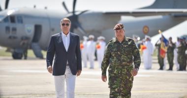 Președintele Klaus Iohannis participă la exercițiile militare de la Cincu