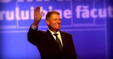 Klaus Iohannis, întâmpinat cu pâine și sare la manifestările de Ziua Națională