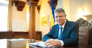 Iohannis vrea să promulge legea privind scutirea pensionarilor de la plata CASS şi neimpozitarea pensiilor sub 2.000 lei