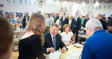 Preşedintele Klaus Iohannis lansează cea de-a treia carte a sa