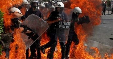 Noi măsuri de austeritate în Grecia. Se anunță proteste violente