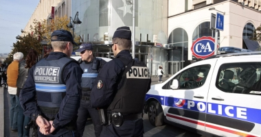 Laborator cu materiale explozive, descoperit în apropiere de Paris