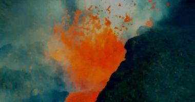 La Palma: O parte a craterului vulcanului s-a prâbușit, într-un moment de maximă activitate