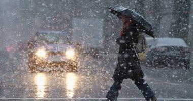 Lapoviţă şi ninsoare, astăzi, la Constanţa