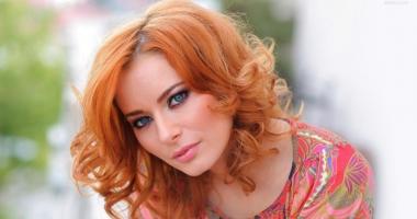 Laura Cosoi debutează  în dublajul de film ca Harley Quinn