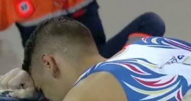 Gimnastul Laurențiu Nistor, accidentat la spate, a fost scos pe targă din sala de concurs
