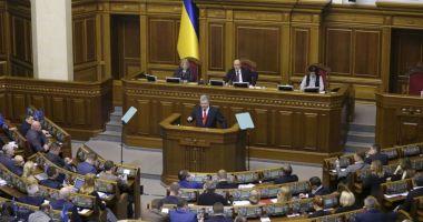 Legea marţială,  introdusă în Ucraina, pentru 30 de zile
