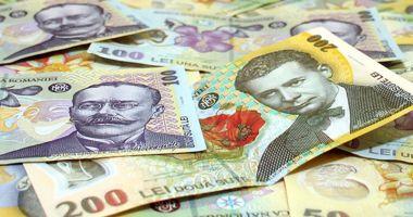 Leul a cedat în fața euro și a dolarului, dar a câștigat la francul elvețian