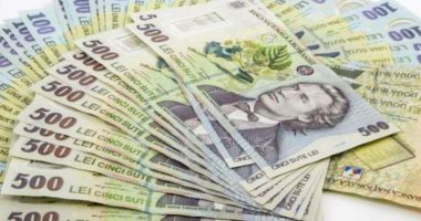 Leul câștigă la dolar și francul elvețian, dar pierde la dolar