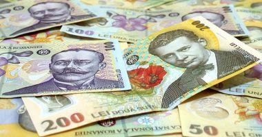 Leul pierde la dolar și francul elvețian, dar câștigă la euro