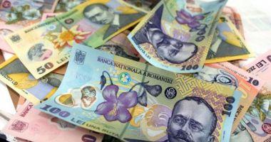 Leul cedează la euro și francul elvețian, dar câștigă la dolar