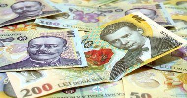 Leul mușcă din euro și dolar, dar pierde la franc elvețian