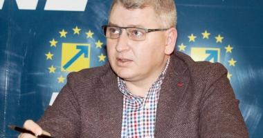 """""""Dacă ţineţi la această ţară, nu mai susţineţi PSD, ci PNL"""""""