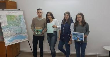 Liceenii  din Medgidia  au sărbătorit  Marea Neagră