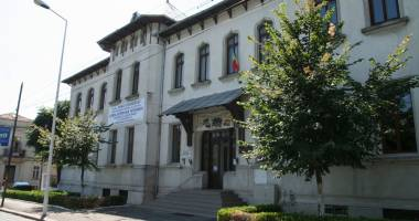 Peste 13.000 de euro ajung la Colegiul