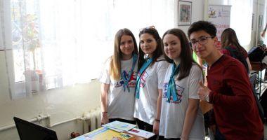"""Tinerii de la Liceul """"Ovidius"""", interesaţi să devină voluntari"""