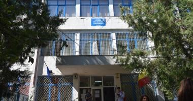 """ISJ trimite comisia de audit la Liceul """"Madgearu"""". Cine îi decide soarta Cameliei Marcu"""