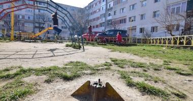 Foto : ADIO LOCURI DE JOACĂ MIZERABILE ŞI PERICULOASE, LA CONSTANŢA! Iată lista celor ce intră în lucrări