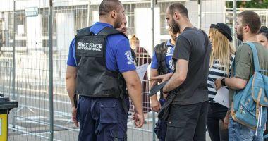Se caută muncitori necalificați și agenți de securitate