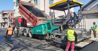 Asfaltările continuă în mai multe cartiere ale Constanței