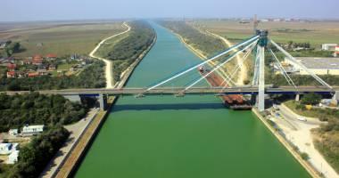 Lucr�rile la podul de la Agigea cost� de patru ori mai mult dec�t se stabilise ini�ial