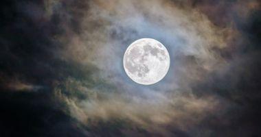 Descoperire uriașă sub scoarța Lunii. Obiectul se află acolo de 4 miliarde de ani