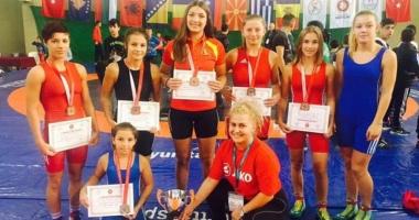Luptătoarele de la CS Mangalia, vicecampioane balcanice de juniori