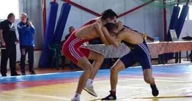 Luptătorii constănţeni, la ultima repetiţie înainte de etapa finală