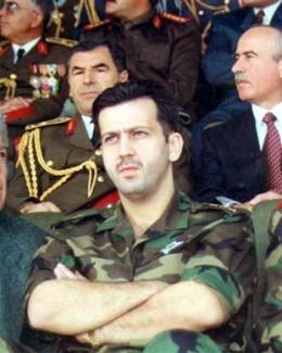 Fratele preşedintelui Siriei se zbate între viaţă şi moarte