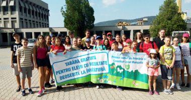 Elevii merituoși  ai Mangaliei,  în tabere gratuite  oferite de primărie