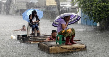 Manila, măturată  de ploile musonice