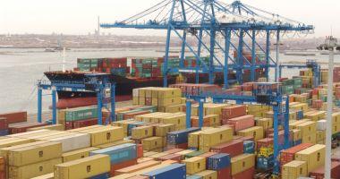 Mărfuri chinezești contrafăcute, în valoare de 671.500 euro, confiscate în portul Constanța Sud