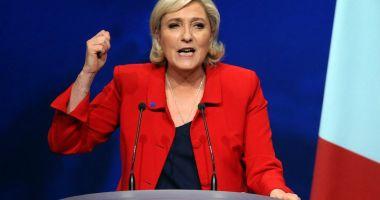 Prinsă cu mâţa-n sac! Marine Le Pen trebuie să restituie Parlamentului European 300.000 de euro