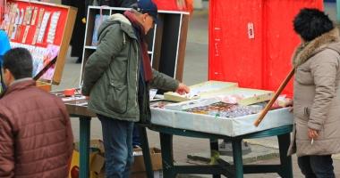 Primăria Constanţa primeşte dosarele pentru vânzarea mărţişoarelor