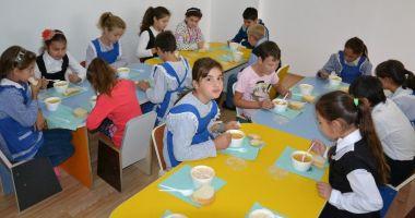 """""""Masă caldă în şcoli"""". Ministrul Educaţiei, declaraţii de ultimă oră"""