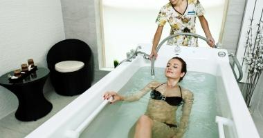 Masajul subacval, metoda de nota 10 care vindecă şi relaxează
